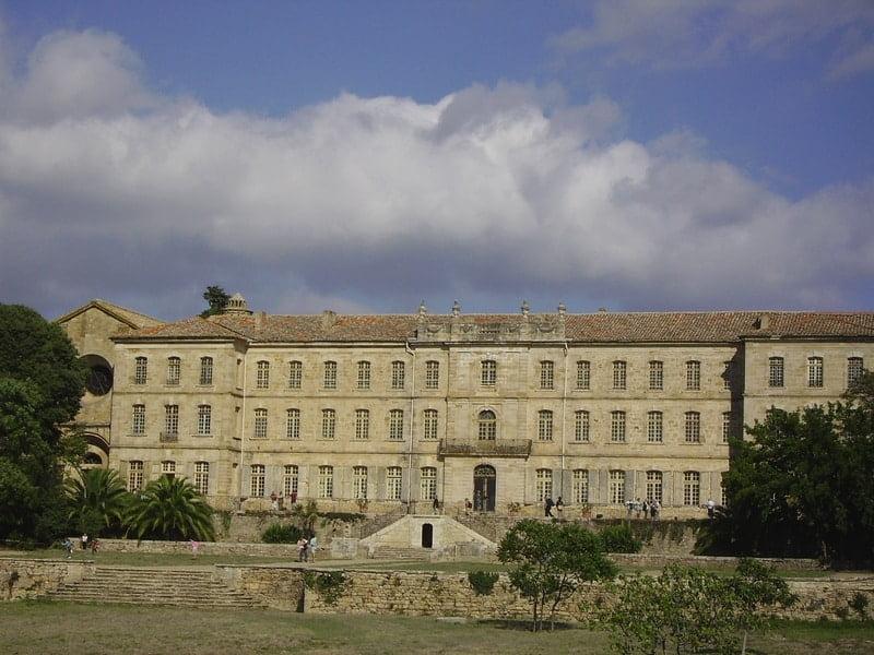 Abbaye de cassan les lavandes du moulin s jour - Abbaye de citeaux horaires des offices ...